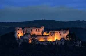 nasvieteny-hrad
